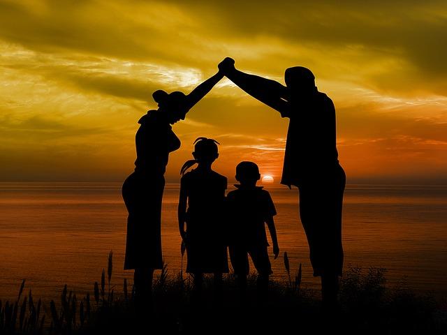 děti mezi rodiči