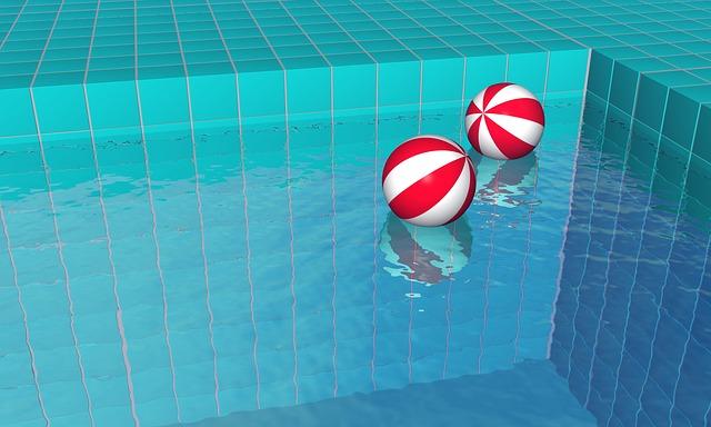 míče na hladině